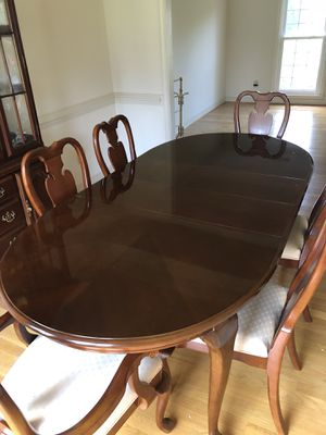 Mahogany Dining Table with 6 Chairs for Sale in Scottsville, VA
