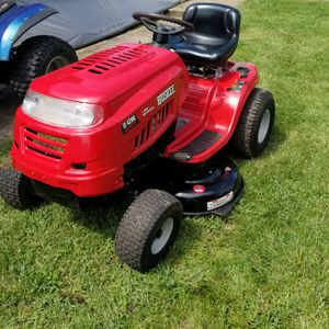 Nice riding mower for Sale in Lynchburg, VA