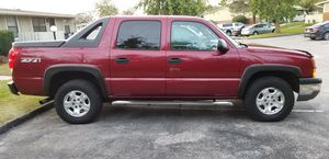 CHEVROLET AVALANCHE 04 Z71 4X4 for Sale in Columbus, OH