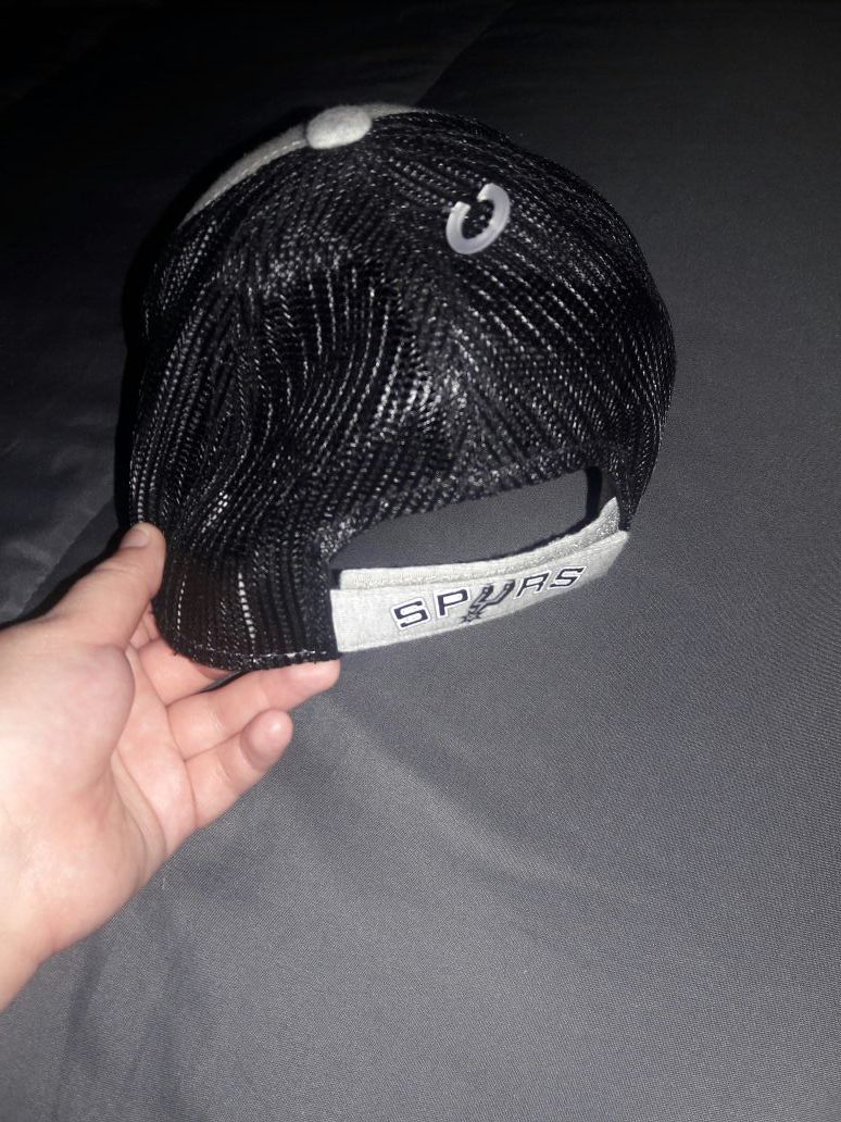 Youth spurs hat