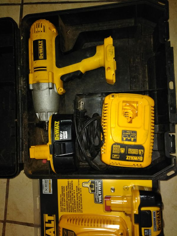 Dewalt Heavy Duty 1 5 Cordless Impact Wrench Gently Used With New Battary And Charger Gentle Case