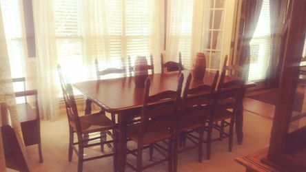Vintage antique table with leaf seats 12 Thumbnail