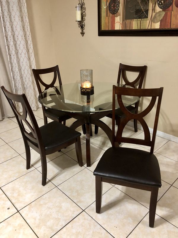Beautiful Rooms To Go Dining Set Furniture In Clermont Fl Offerup