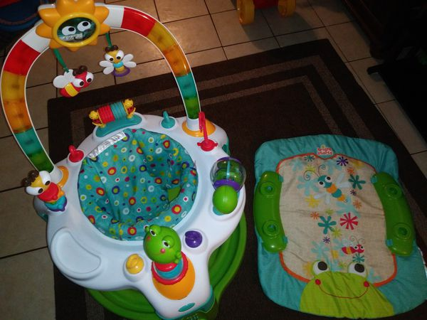 a014e03f695f Bright starts 2 in 1 lights activity gym for Sale in Auburndale