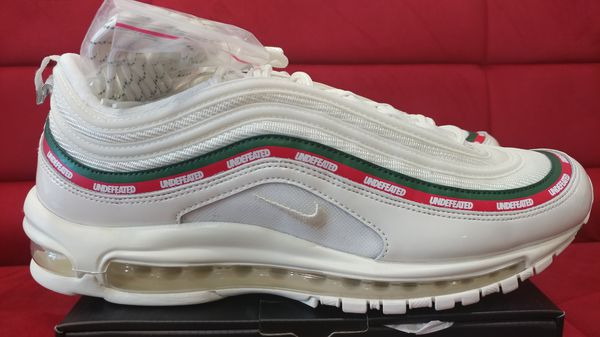 d4e3e202846319 Undefeated nike air max og white gucci inspired size jpg 600x337 Gucci shoe air  max