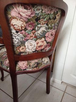 Classic real wooden chairs Thumbnail