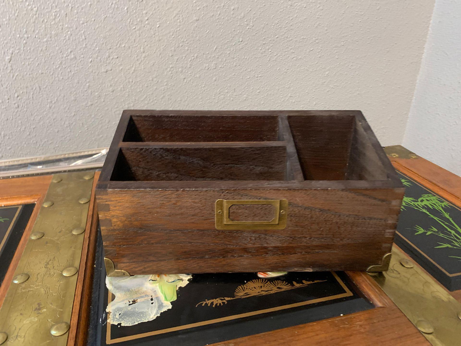 Mail or desk organizer