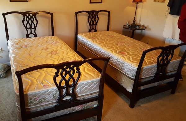 Nice Antique Mahogany Twin Beds