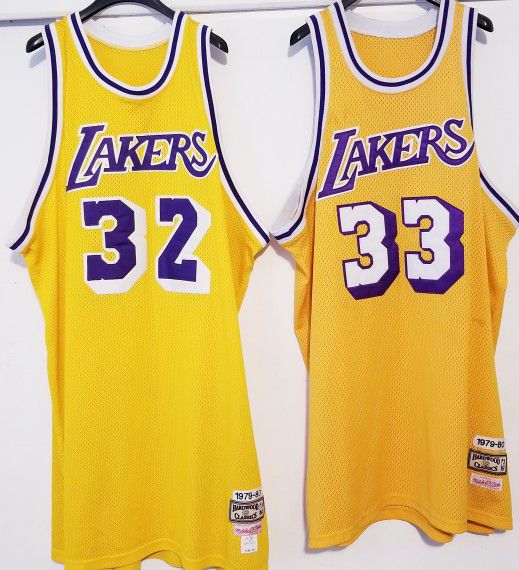 official photos 0e708 870fd Los Angeles Lakers Jersey lot Magic Johnson Kareem Abdul Jabbar 2XL  Mitchell and Ness for Sale in Los Angeles, CA - OfferUp