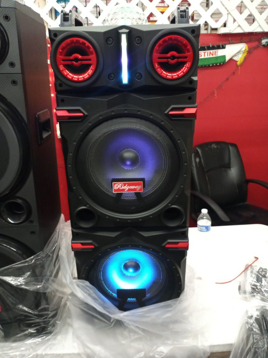 Brand New Double 10s Speaker Has Bluetooth Fm Am Great Sound Base Very Loud And Only For 220 Brand New Speaker In The Box