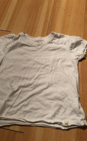 Burt's Bees Baby v-neck T-shirt 24 Months for Sale in Boston, MA