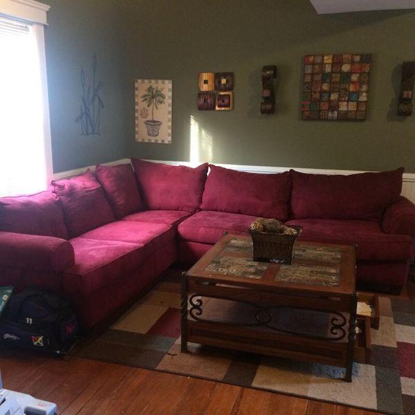 sale retailer 4b863 8eece Large burgundy sectional sofa for Sale in Williamsburg, VA - OfferUp