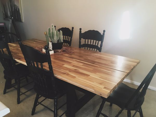 skogsta dining table acacia w six random black chairs for sale in colorado springs co offerup. Black Bedroom Furniture Sets. Home Design Ideas