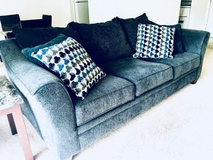 Serta Sofa for Sale in Detroit, MI