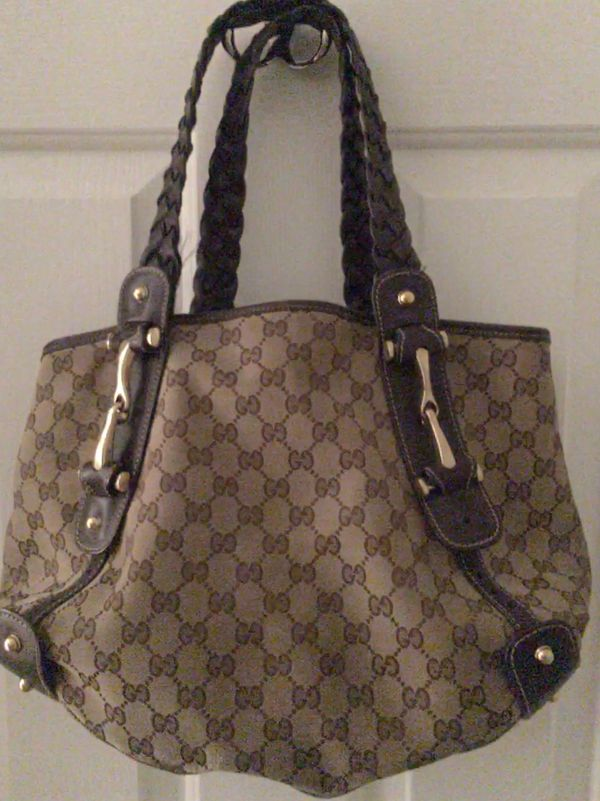 2c7db752c37 100% Authentic preowned Classic Gucci Tote Bag for Sale in Aurora ...