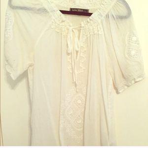 Super cute white tunic, size small for Sale in Nashville, TN
