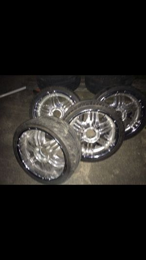 """22"""" rims for truck 6 bolt for Sale in Oxon Hill, MD"""