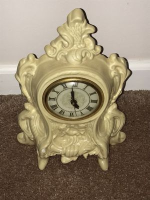 Antique finish clock for Sale in Nashville, TN