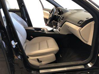 2009 Mercedes C300 Thumbnail