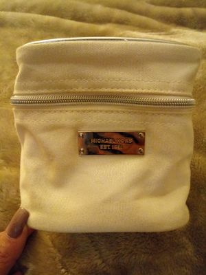 Small michael kors cosmetic bag 100% authentic for Sale in Anaheim, CA