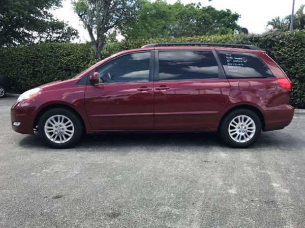 2010 Toyota Sienna XLE for Sale in Lake Worth, FL - OfferUp