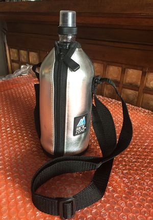 ARCTIC ZONE Water Bottle & Zipper Thermal Carrier Adjustable Strap for Sale in Chicago, IL