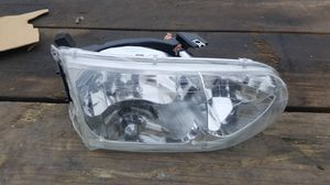 Rh headlight 99 to 02 villager for Sale in Austin, TX