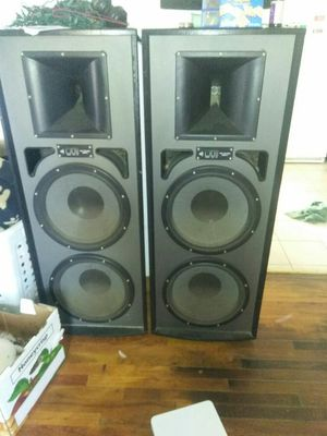 Radio, 5 disk dvd player and cd, 2 speakers and shelve for Sale in Porterville, CA