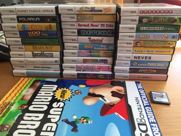 31 Nintendo DS Games, extra storage cases, Super Mario Bros