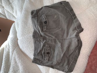 Abercrombie & Fitch green shorts Thumbnail