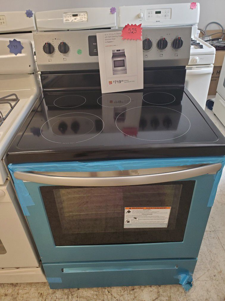 Frigidaire Electric Stove New With 6month's Warranty