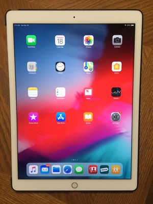 "iPad Pro 12.9"" 128Gb, like new, warranty until sept 2019 for Sale in Manassas, VA"