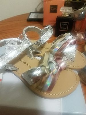 Sandals koalakids size 4 for Sale in Silver Spring, MD