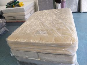 Photo 13 Double Side,Pillow Top,Queen Size Mattress With Split Box Spring,,DELIVERY AVAILABE FOR A LOW COST,