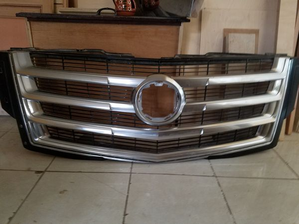 2015 Cadillac Escalade grill for Sale in Houston, TX - OfferUp