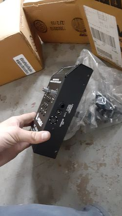 3 Brand New Peavy rc 2000 controllers Thumbnail