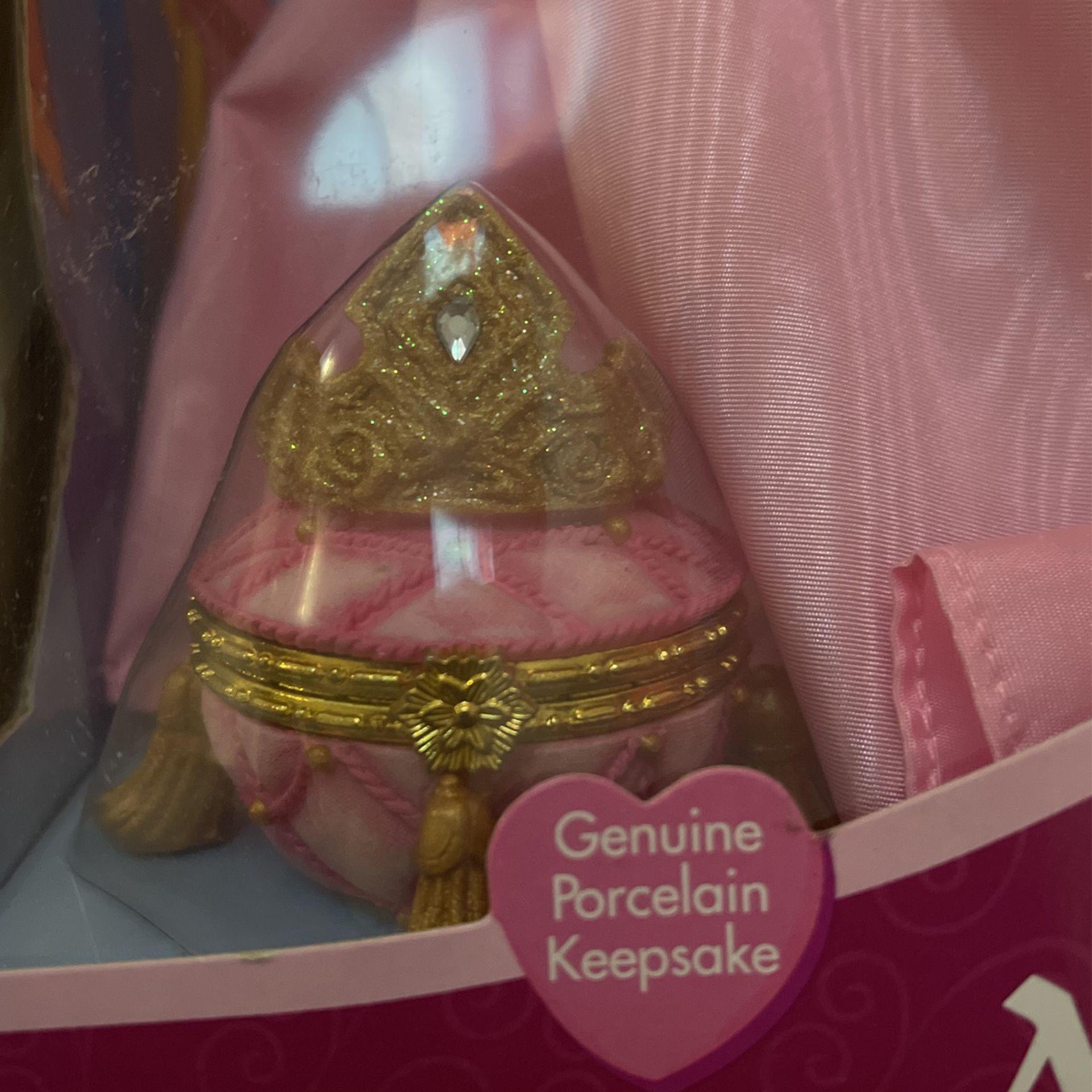 2001 Sleeping Beauty Disney Porecelin Doll