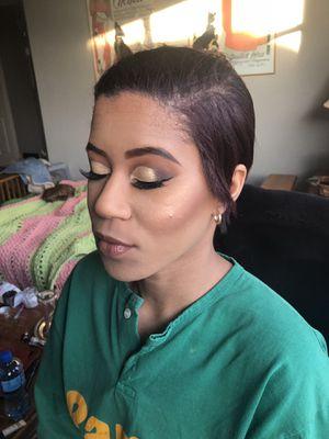 Makeup Artist for Sale in Amherst, VA