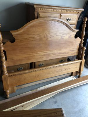 Queen head and foot board with rails for Sale in Raleigh, NC