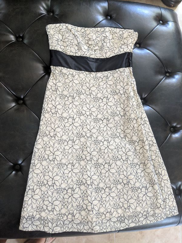909b536b021 White and black cocktail dress. Bought at White House Black Market. Good  condition. Mountain Brook ...