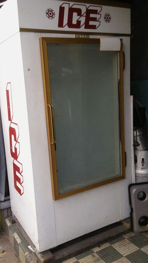Ice freezer for Sale in PA, US