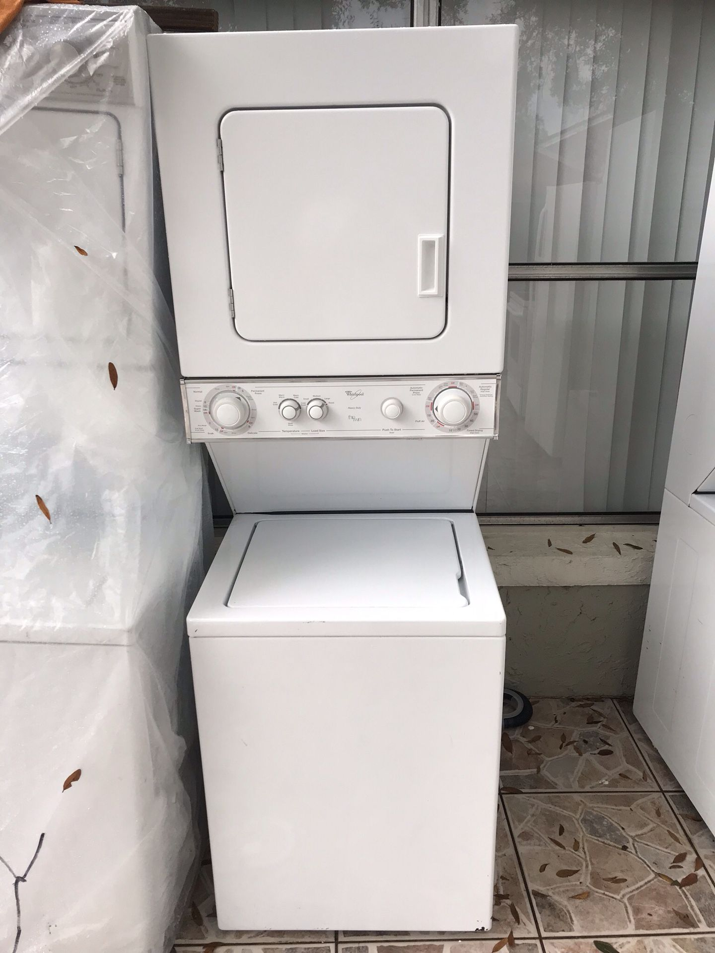 Stackable, washer and dryer white whirlpool for sale $399