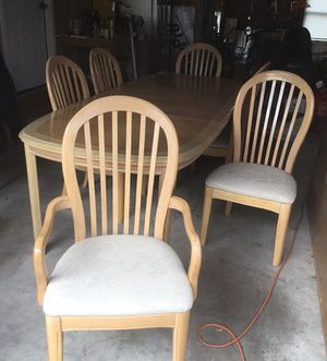 Dining room set (Bernhardt) Table, Chairs, and China cabinet for Sale in Martinsburg, WV