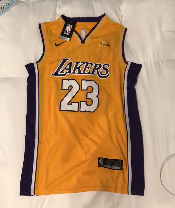 26d534f9c01 Men s size medium Lakers Lebron James jersey (Clothing   Shoes) in Mill  Creek