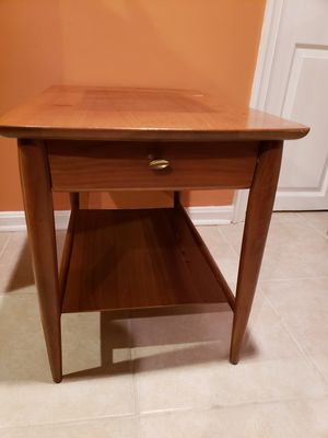 Mersman Mid Century End Table for Sale in Alexandria, VA