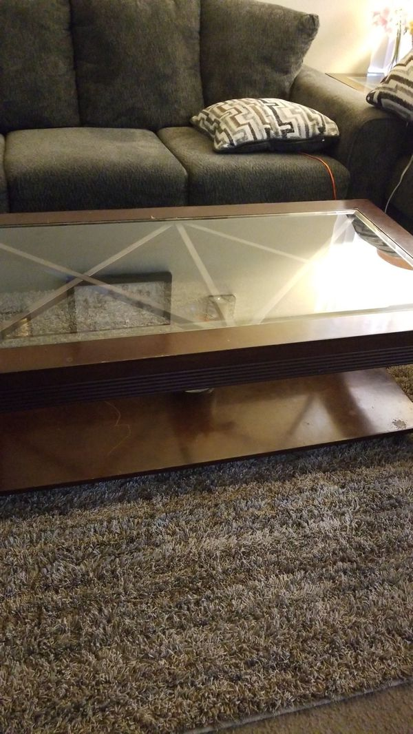 Wooden Coffee Table And End Table For Sale In Colton CA OfferUp - Colton coffee table