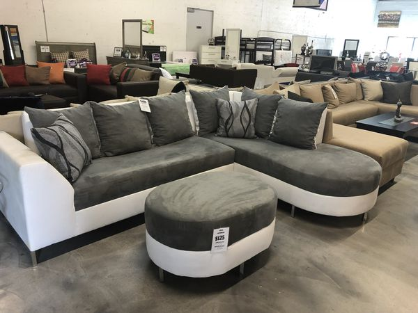 Sectional Sofa with Round Chaise for Sale in Miami, FL - OfferUp