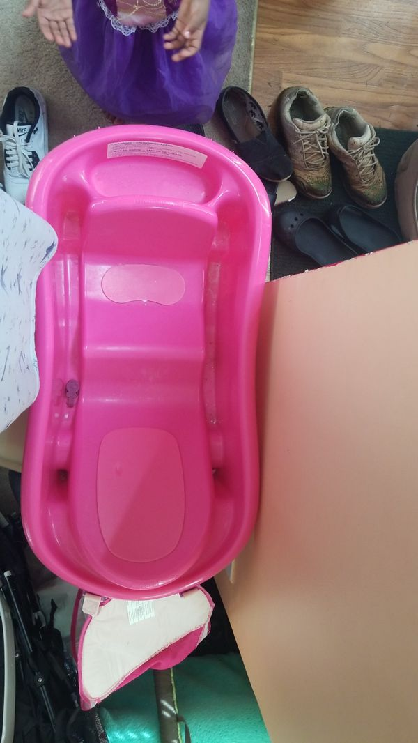 Pink Baby tub (Baby & Kids) in Hampton, GA - OfferUp