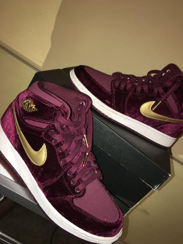 lowest price 967f3 0685d Air Jordan Retro 1- Burgundy Suede size 7 men 9 women for Sale in  McDonough, GA - OfferUp