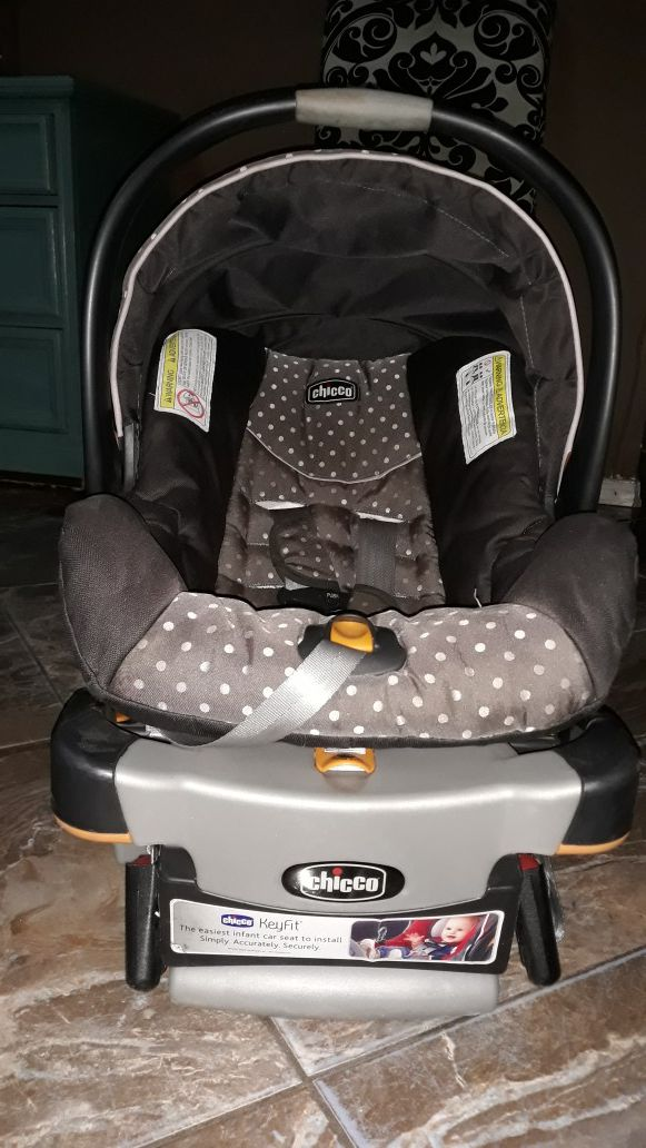 CHICCO CAR SEAT FOR SALE For Sale In El Paso TX